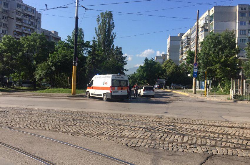 (Снимки) Катастрофа с пострадал на бул. Вардар и бул. Стамболийски