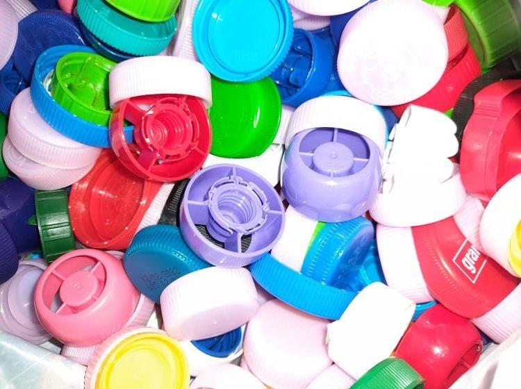Пластмасата е вече забранена в ЕС, но не и в България