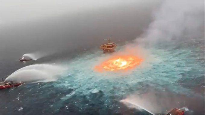 (ВИДЕО) Мексиканският залив в пламъци след теч от газопровод