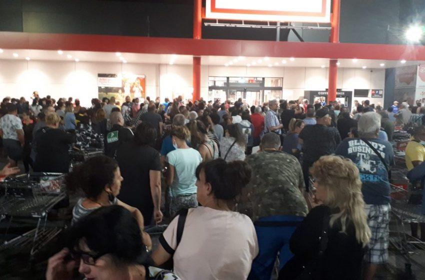 (ВИДЕО) Масово нощно пазаруване в Перник