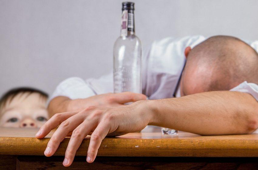 Борба с рака: СЗО иска удвояване на акциза на алкохола в Европа